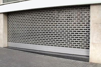 instalación persianas aluminio para locales badalona